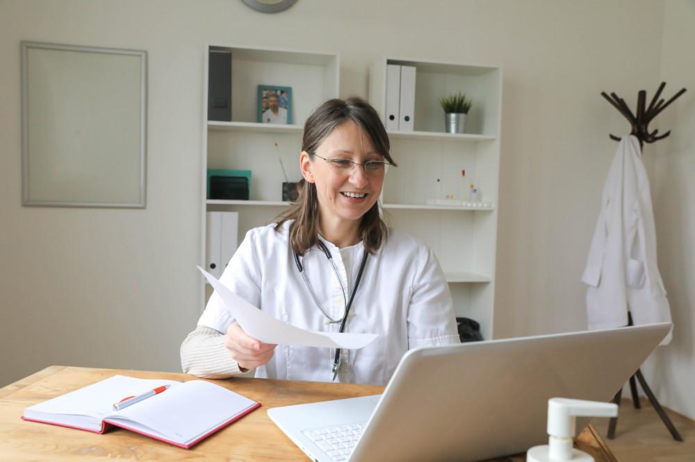 Tecnologia aproximando pacientes de exames e tratamentos